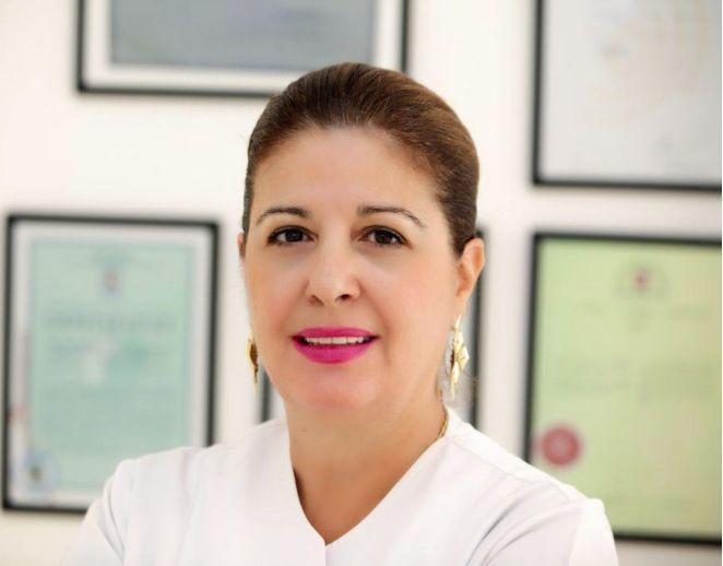 Δέσποινα Κωστομοίρη - Χειρουργός Οδοντίατρος